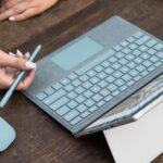 Microsoft、Surface向けタイプカバーやペン、マウスに新色「アクア(水色)」を追加